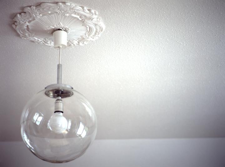 kugelglaslampe_mit_stuck